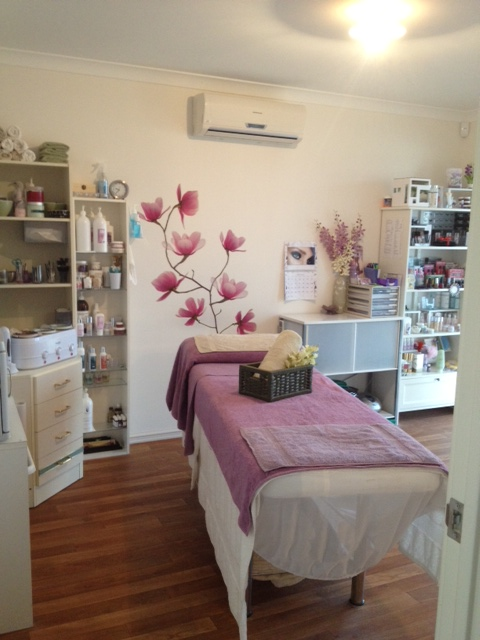 Home jessica 39 s beauty therapy for How to make a beauty salon at home